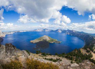 Crater Lake v Oregonu | wollertz/123RF.com