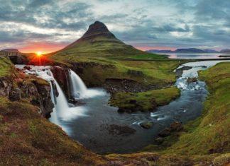 Islandská jarní krajina | panorama při západu slunce u hory Kirkjufell - tomas1111/123RF.com