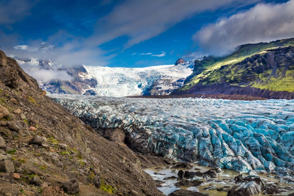 Ledovec Vatnajökull a hory na Islandu | shaiith/123RF.com
