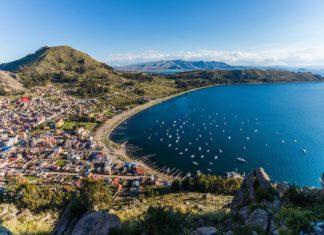 Jezero Titicaca na hranici Bolívie a Peru | shperspectives/123RF.com
