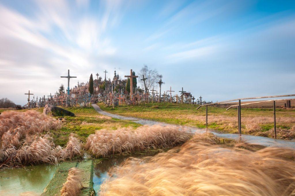Slavná Hora křížů v okolí města Šiauliai | kyolshin/123RF.com