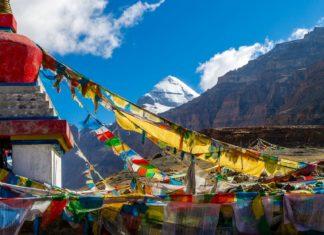 Tibet se zátiším nejposvátnější hory Kailas | lihana/123RF.com