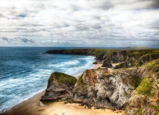 Pobřežní krajina v Cornwallu | mreco99/123RF.com