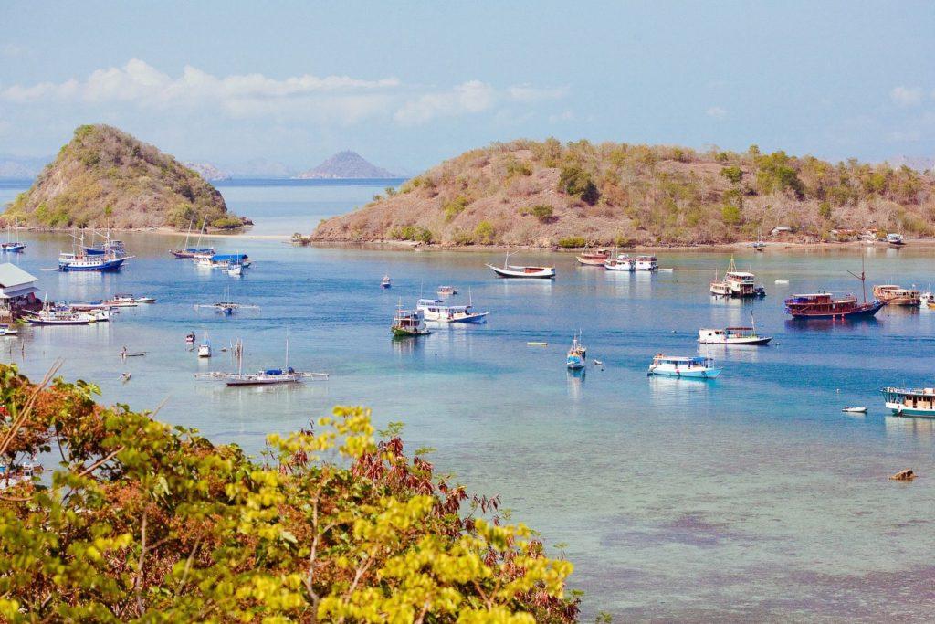 Přístav v Labuan Bajo na ostrově Flores | tepikina/123RF.com