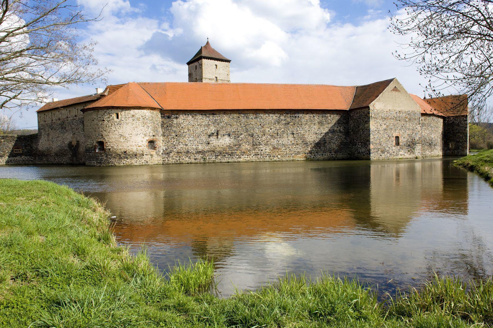 Vodní hrad Švihov | phbcz/123RF.com