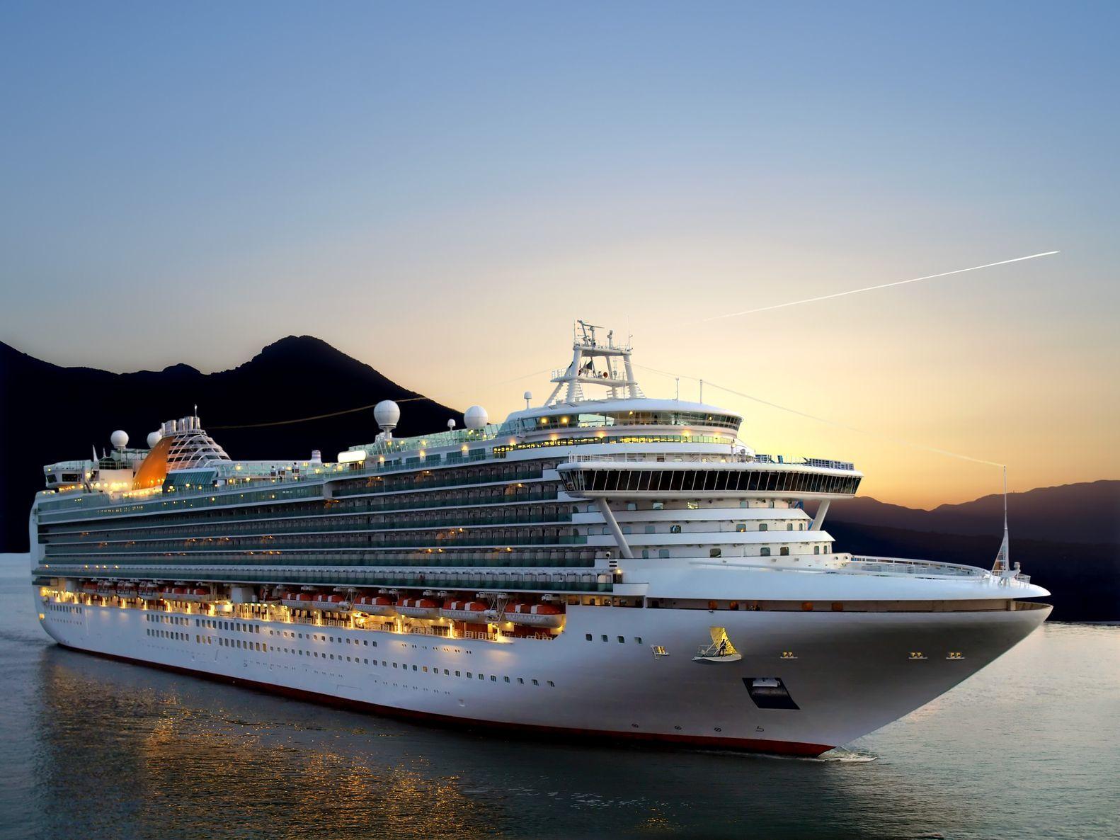 Luxusní výletní loď | nan728/123RF.com