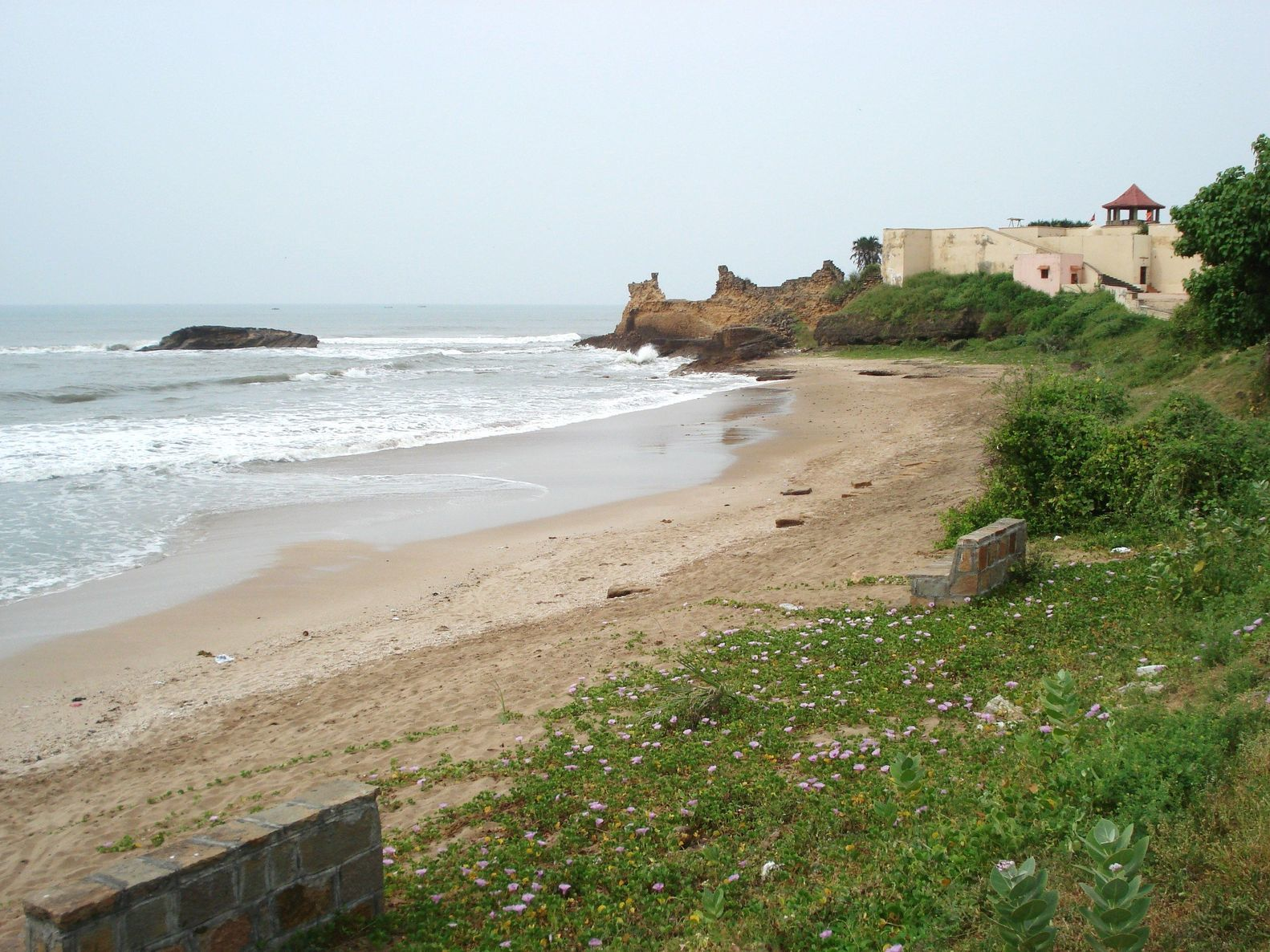Pobřeží v oblasti Daman a Diu v Indii | sajukris/123RF.com