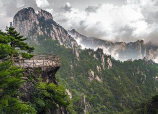 Hory Huangshan v Číně | rigamondis/123RF.com