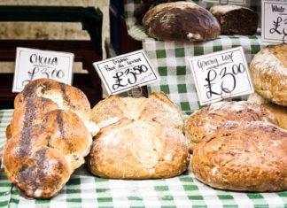 Čerstvé pečivo na anglickém trhu | trgowanlock/123RF.com