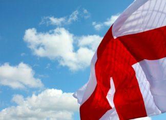 Vlající anglická vlajka | opal1/123RF.com