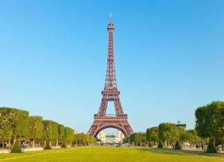 Eiffelova věž v Paříži | sborisov/123RF.com