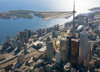 Letecký pohled na kanadské Toronto | Blakeley/123RF.com