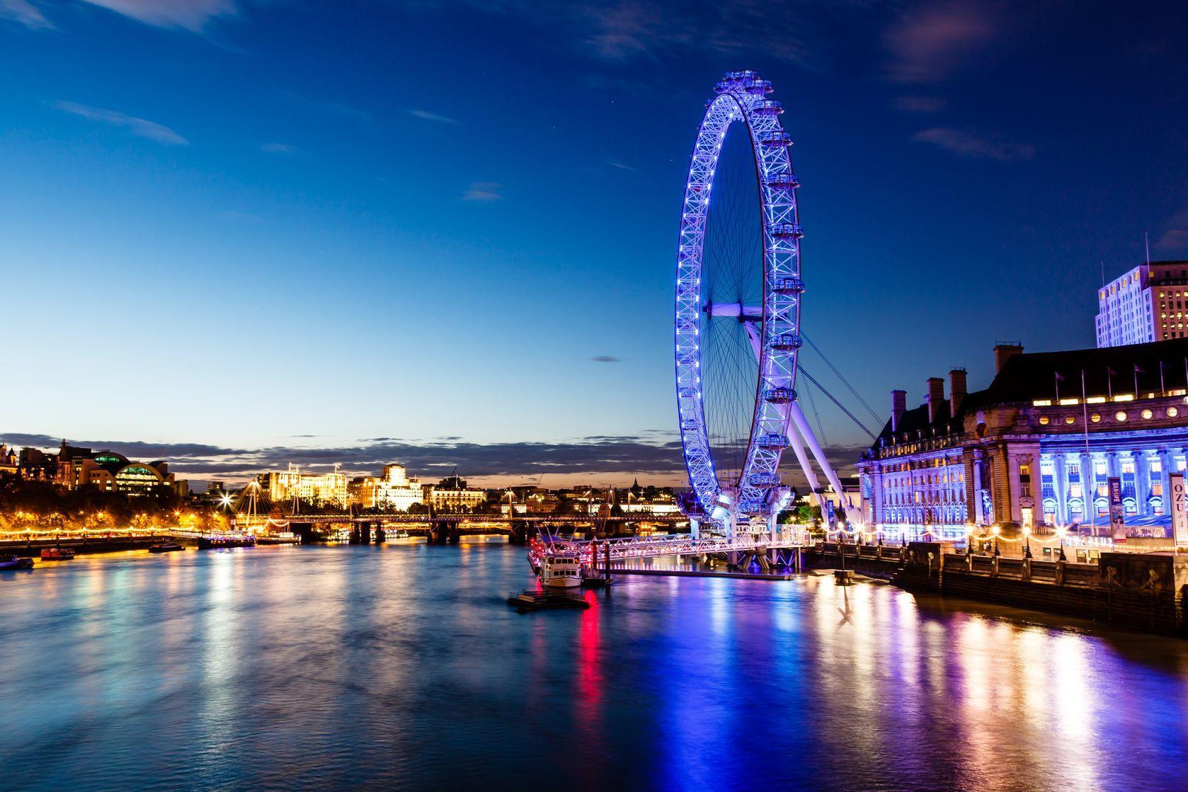 Panorama nočního Londýnu | anshar/123RF.com