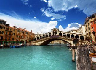 Most Rialto v Benátkách | iakov/123RF.com