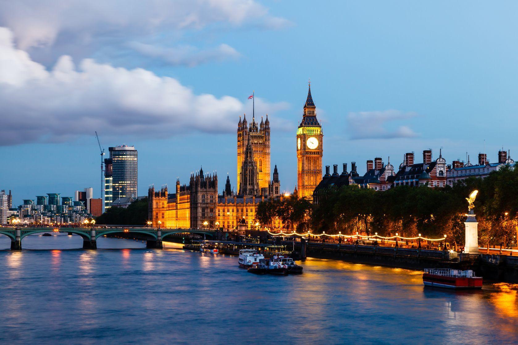Noční panorama Londýnu   anshar/123RF.com