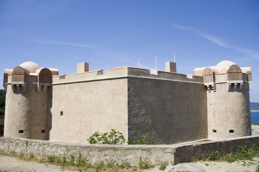 Citadela v Saint Tropez | riekephoto/123RF.com