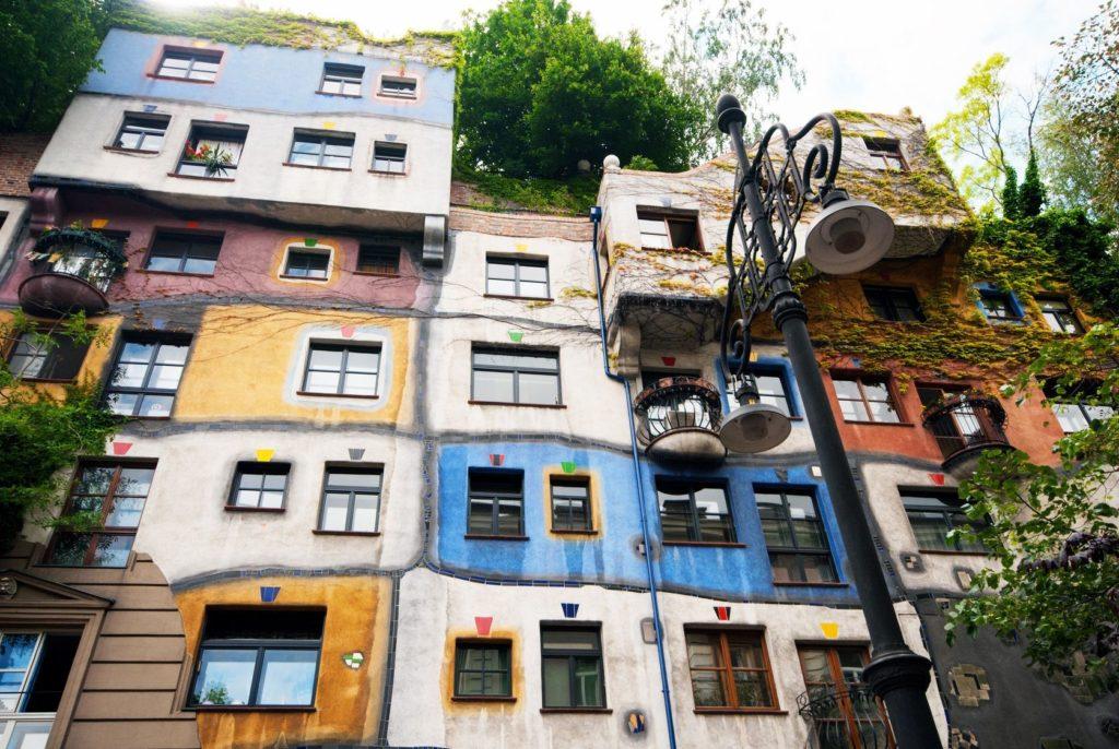 Hundertwasserhaus ve Vídni | antonchuiko/123RF.com