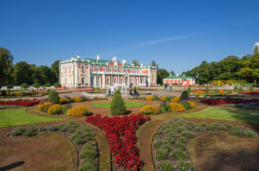 Kadriorg palác v Tallinu | gumbao/123RF.com