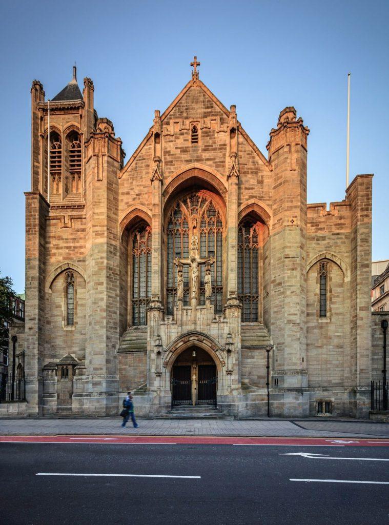 Katedrála svaté Anny v Leedsu   sakhaphotos/123RF.com