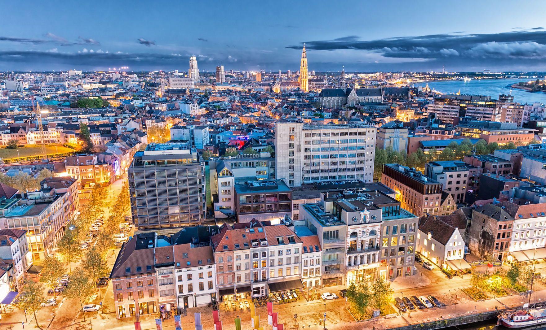 Noční pohled na Antwerpy | jovannig/123RF.com