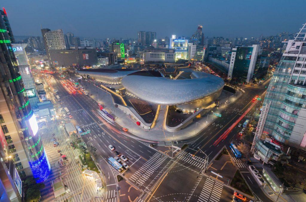 Obchodní čtvrť Dongdaemun v Soulu | nattanaicj/123RF.com