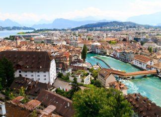 Panorama Lucernu ve Švýcarsku | zechal/123RF.com