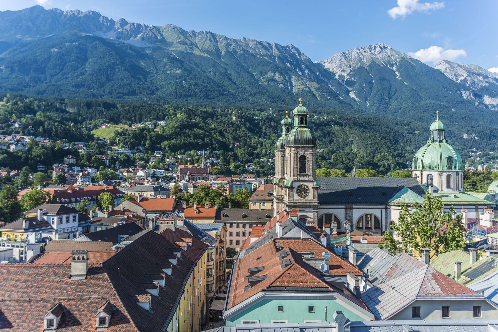 Pohled na Innsbruck v Rakousku | anibaltrejo/123RF.com