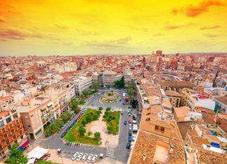 Pohled na Valencii ve Španělsku | lipskiy/123RF.com