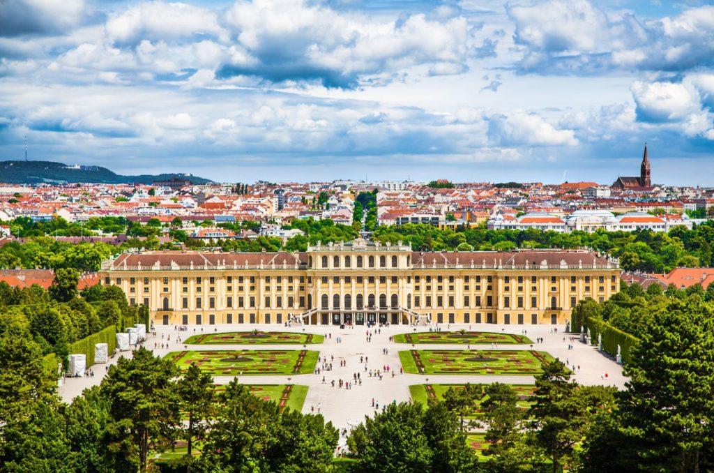 Zámek Schönbrunn ve Vídni | jakobradlgruber/123RF.com