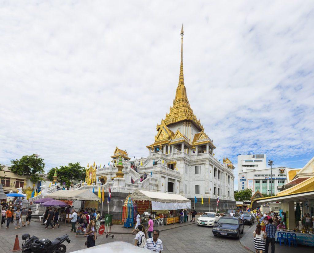 Chrám Wat Traimit v Bangkoku | hanoiphotography/123RF.com