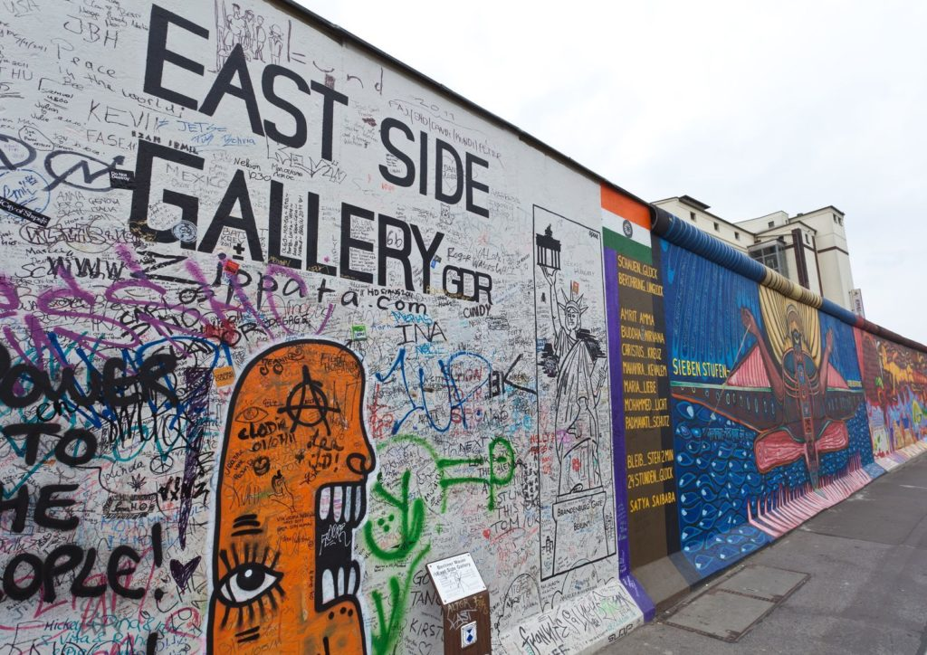 East Side Gallery v Berlíně | digitalsun/123RF.com