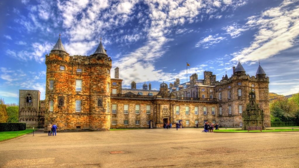 Holyrood palác v Edinburghu   elec/123RF.com