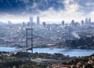 Istanbul a most přes Bospor | execute11/123RF.com
