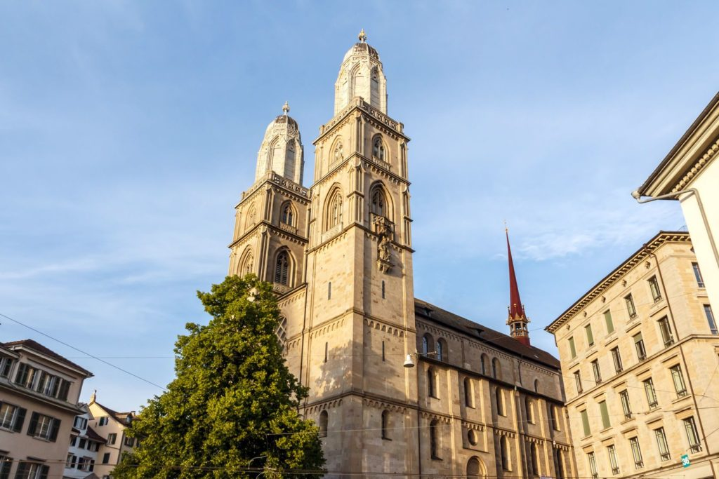 Kostel Grossmünster v Curychu | pichetw/123RF.com