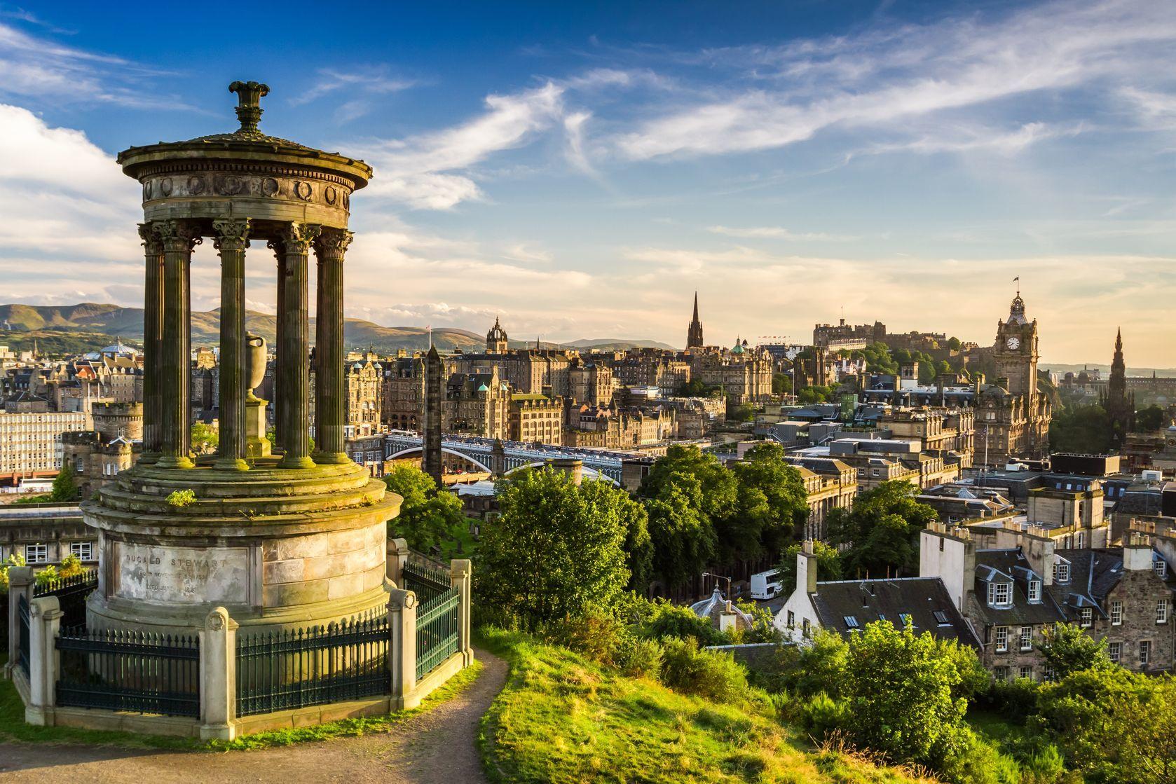 Krásný výhled na město Edinburgh | shaiith/123RF.com