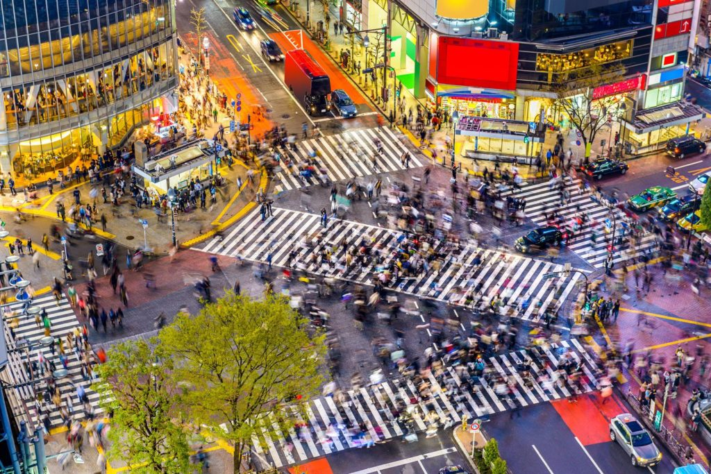 Křižovatka v obchodní čtvrti Shibuya v Tokiu | sepavo/123RF.com