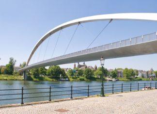 Moderní vysoký most v Maastrichtu | grafistart/123RF.com