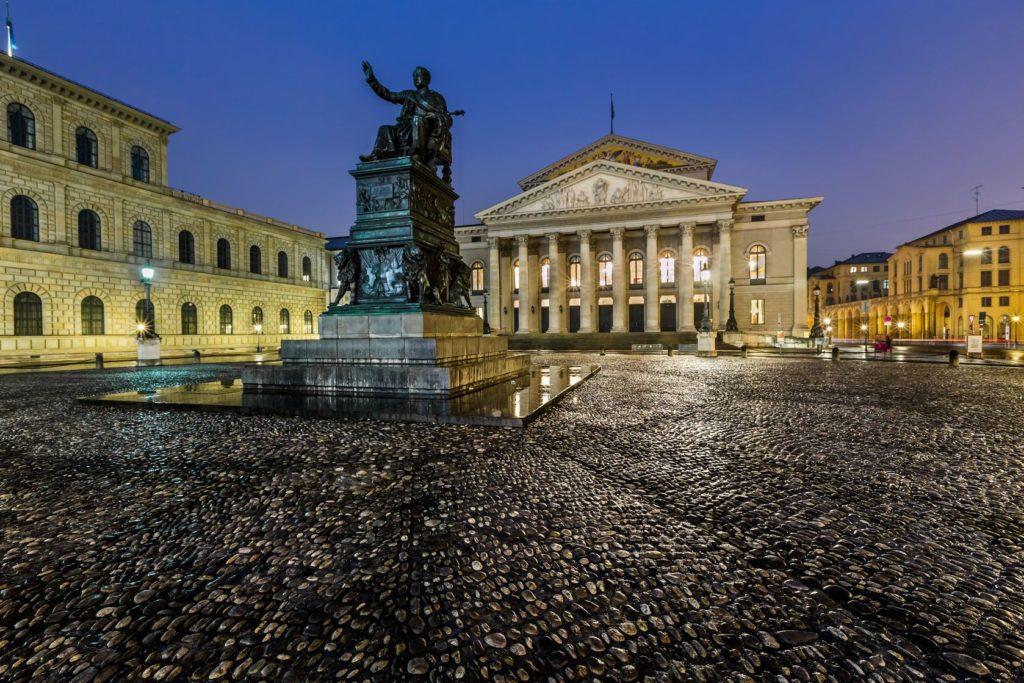 Národní divadlo v Mnichově   anshar/123RF.com