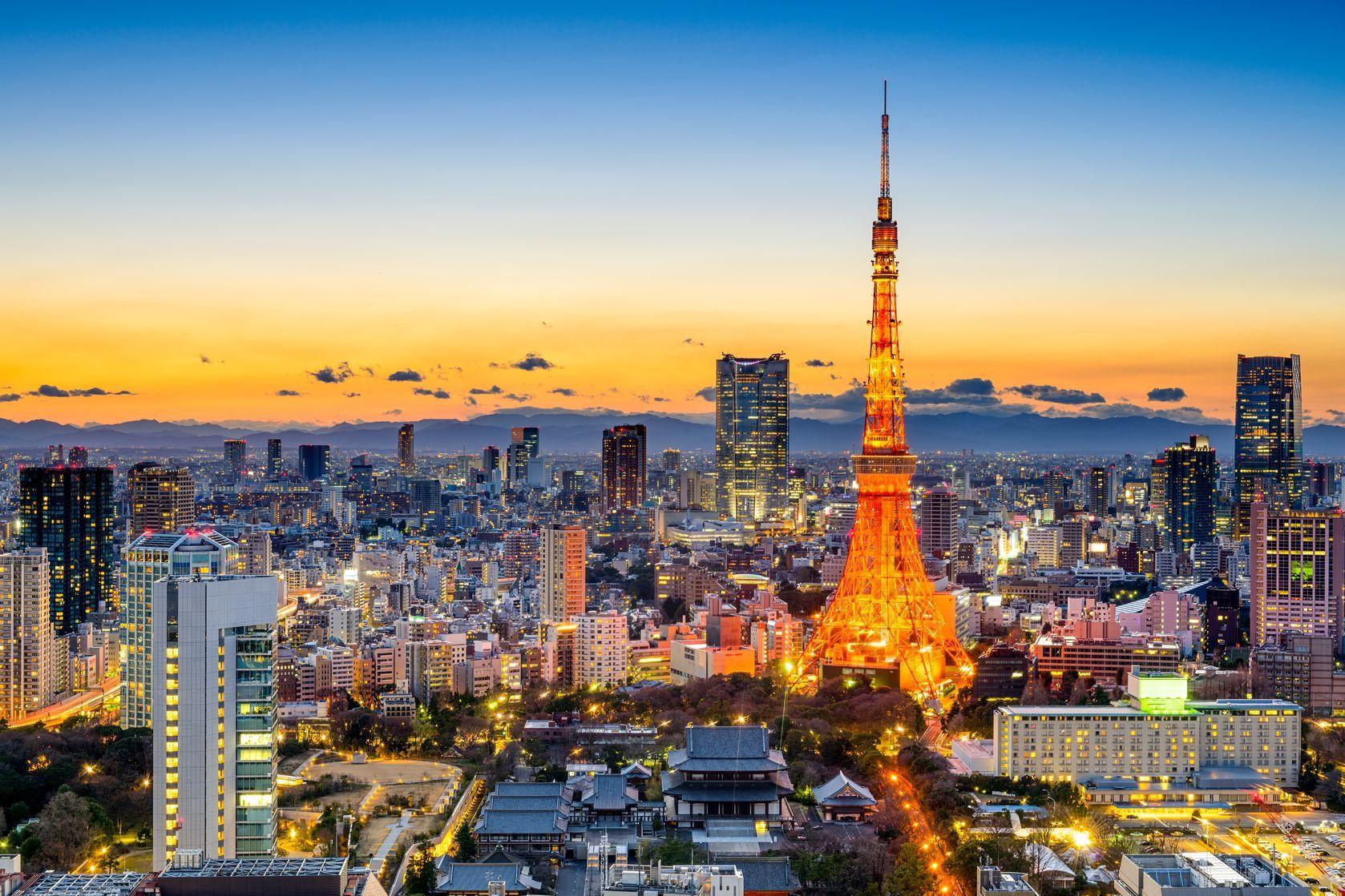 Noční panorama Tokia v Japonsku   sepavo/123RF.com