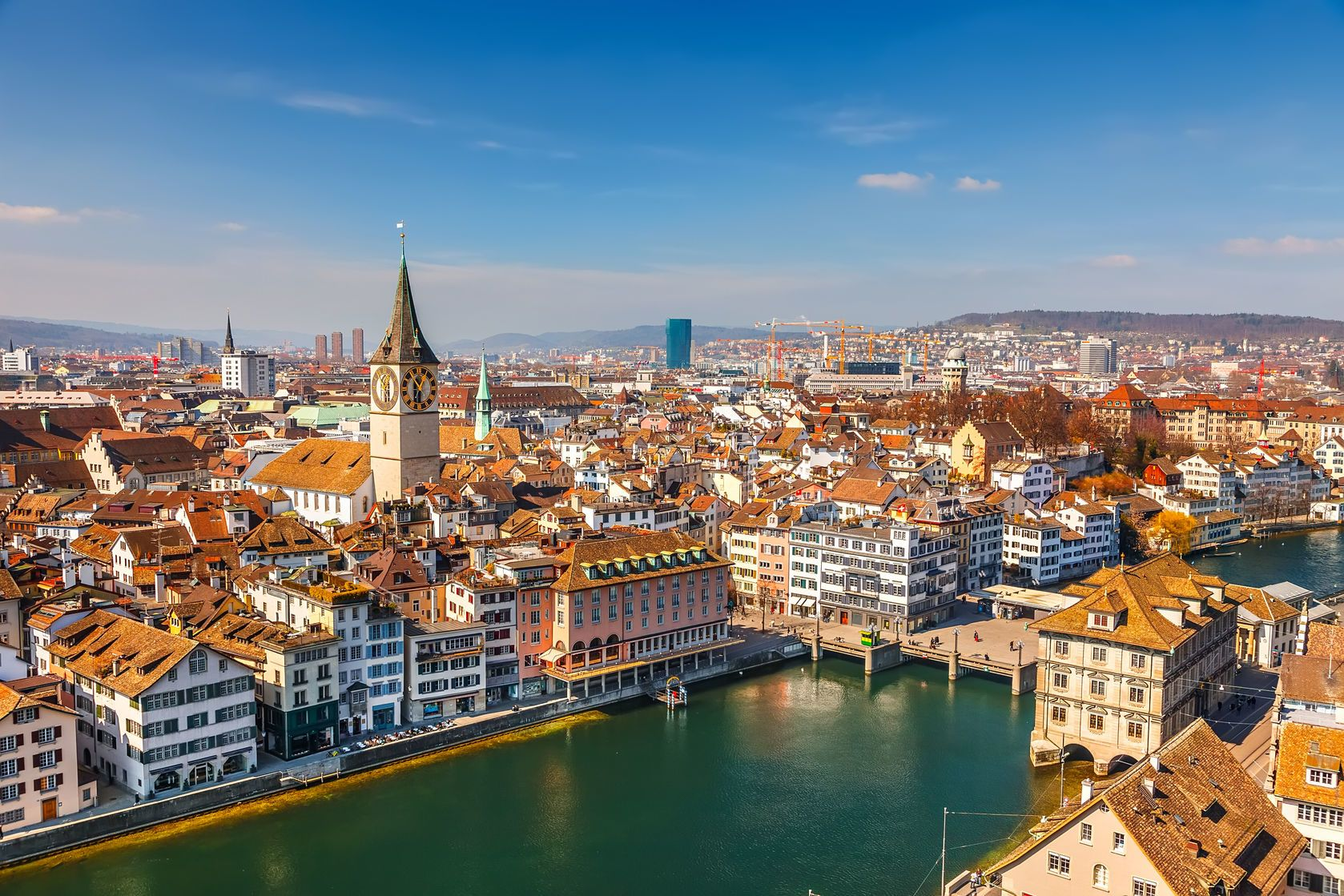 Panorama Curychu ve Švýcarsku | sborisov/123RF.com