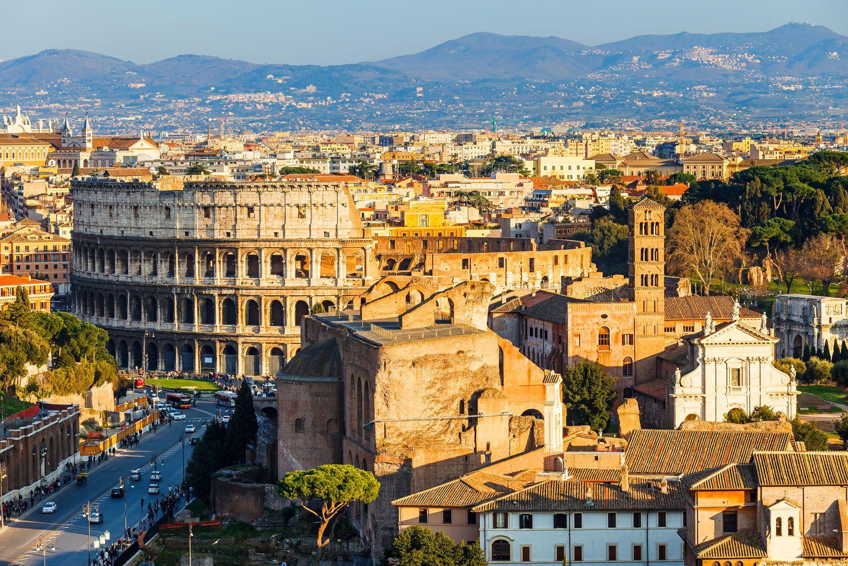 Panorama Říma v Itálii   sborisov/123RF.com