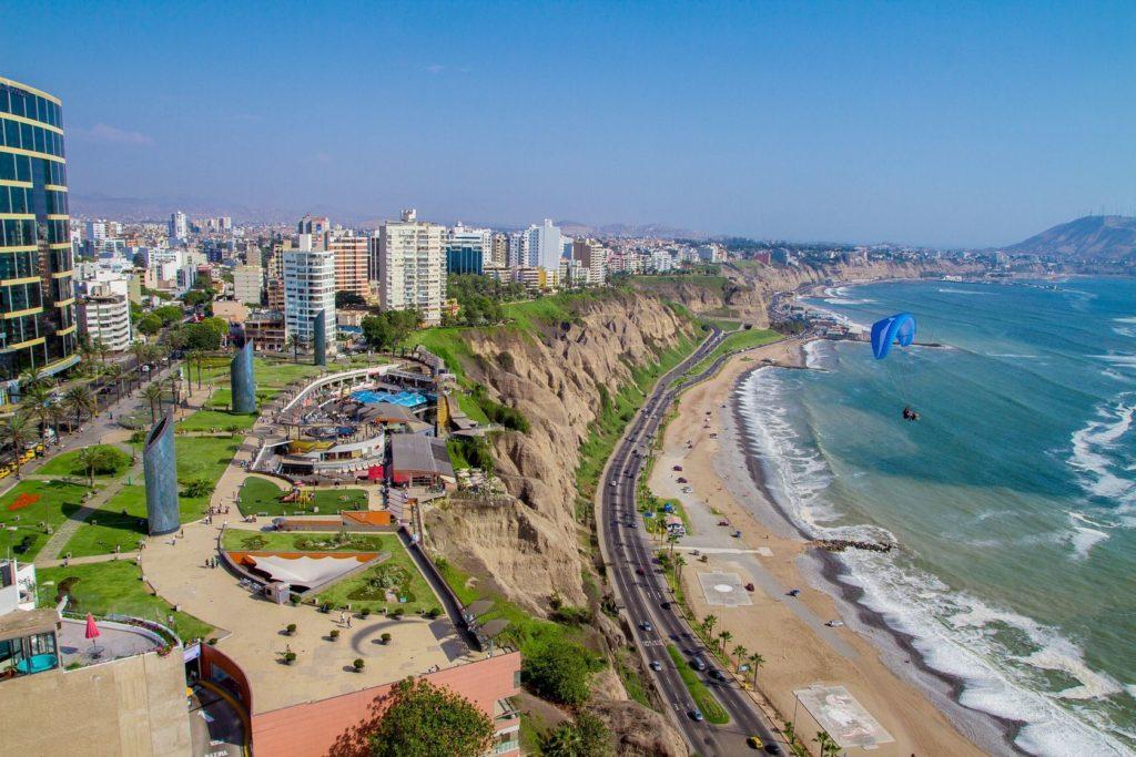 Pohled na Miraflores v Limě   pxhidalgo/123RF.com