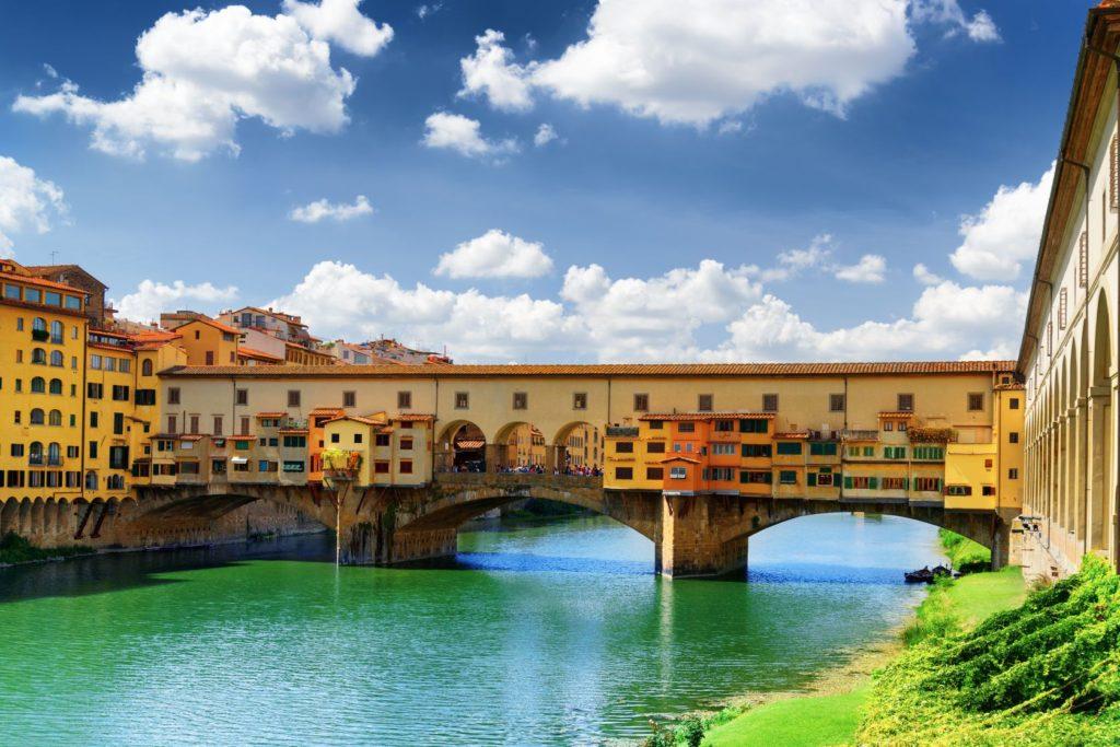 Středověký most Ponte Vecchio ve Florencii | efired/123RF.com