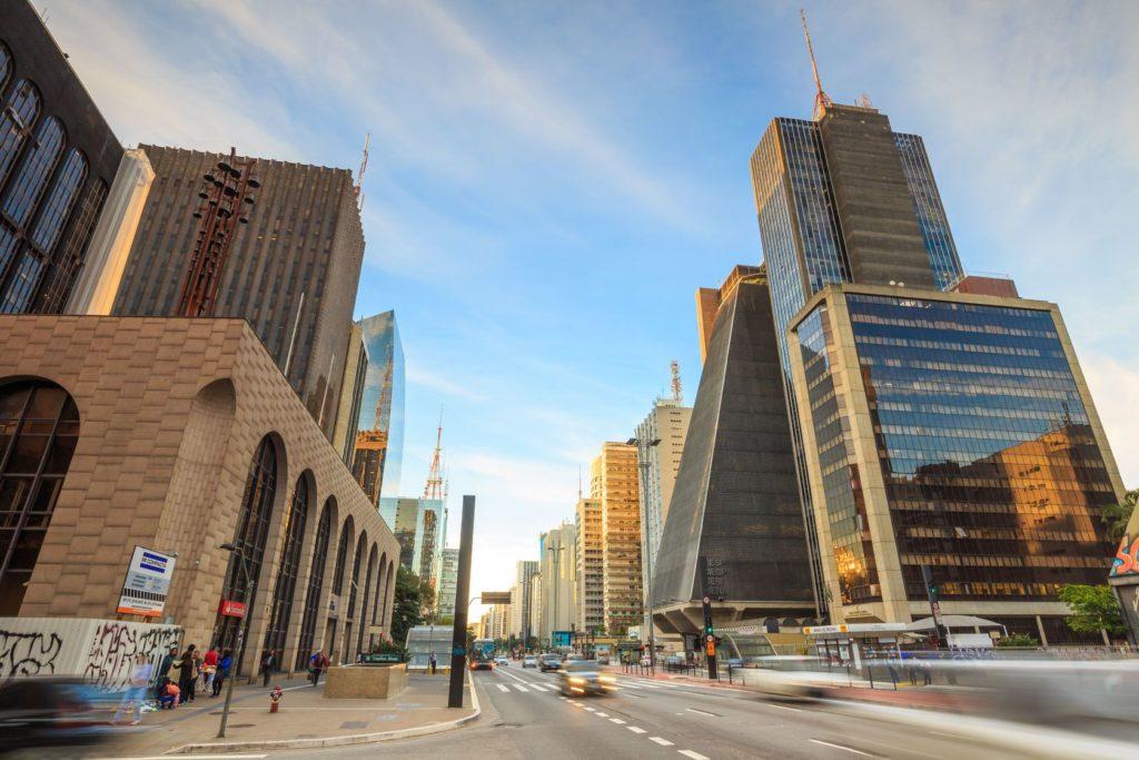 Zástavba Avenida Paulista v Sao Paulo | f11photo/123RF.com