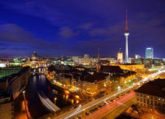 Berlín v noci | lianem/123RF.com
