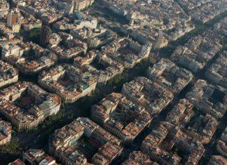 Letecký pohled na Barcelonu | natursports/123RF.com