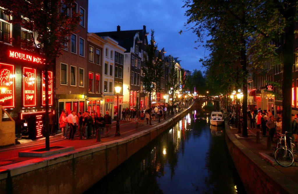 Red Light District v Amsterdamu | rglinsky/123RF.com