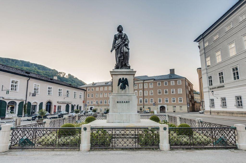Socha Mozarta v Salzburgu | anibaltrejo/123RF.com