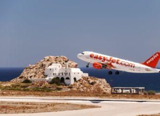 Vzlétající letadlo Easyjet | Tonygers/123RF.com