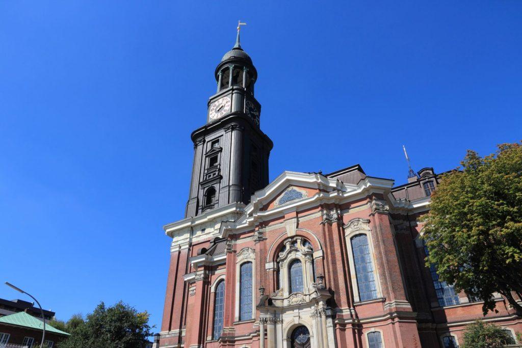 Kostel St. Michaelis v Hamburku | tupungato/123RF.com